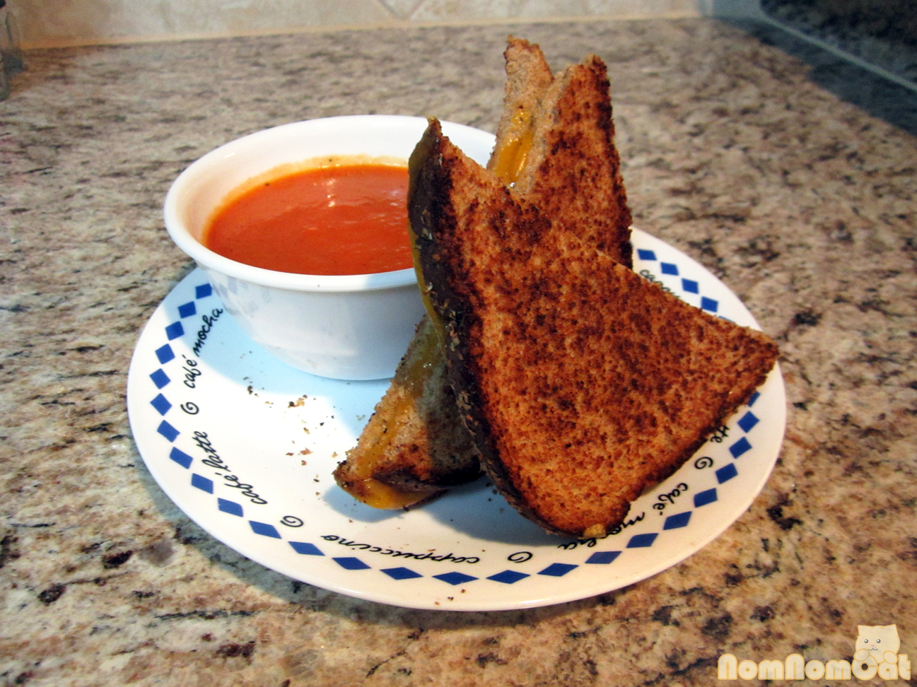 Comfort Food: Grilled Cheese and Tomato Soup | nom nom cat