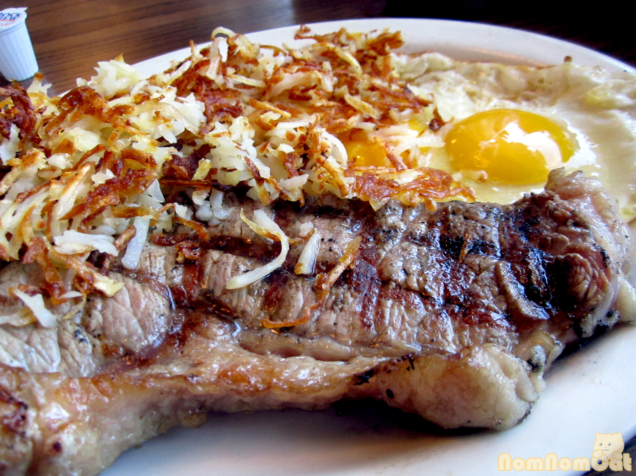 steak and eggs – nom nom cat
