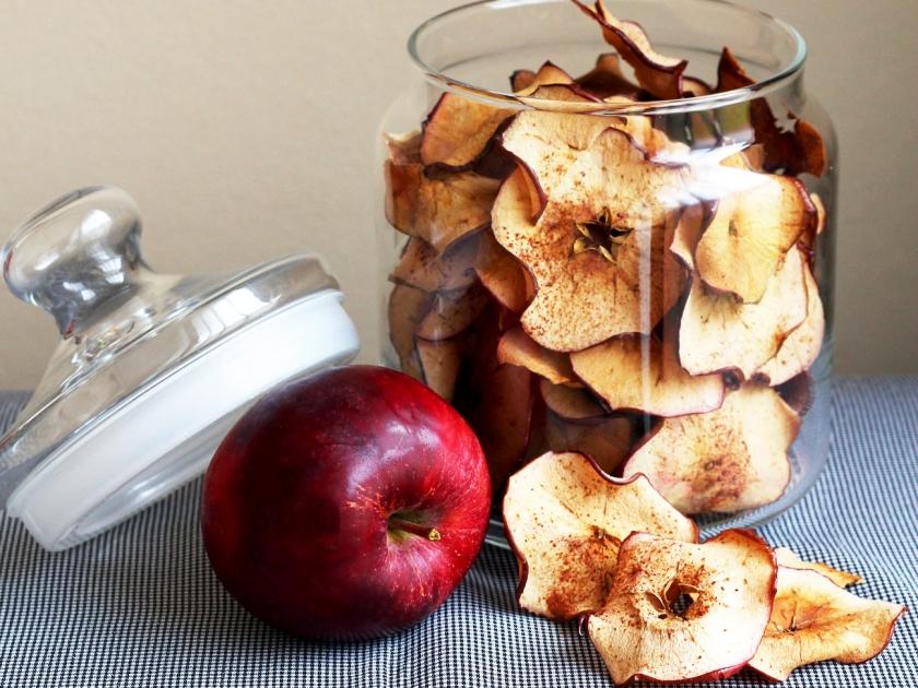 apple chips crop