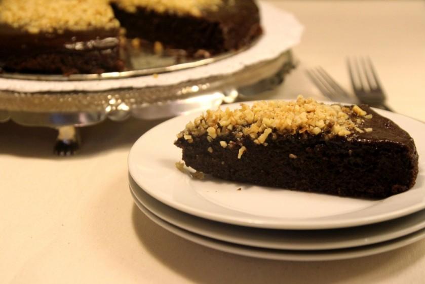 Chocolate-Quinoa-Cake-with-Glaze-Walnuts