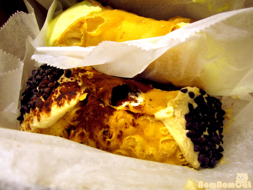 05 Mikes Pastry Cannoli