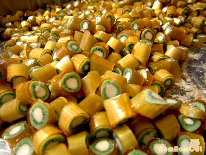 13 Sticky USA Kiwi Candy