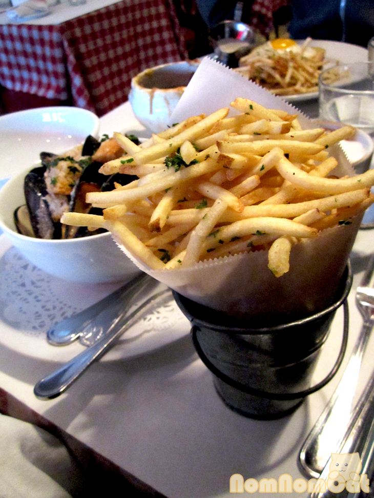 Can't have moules frites without the frites!