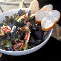 Thai Green Curry Coconut Mussels [Cooking Demo]